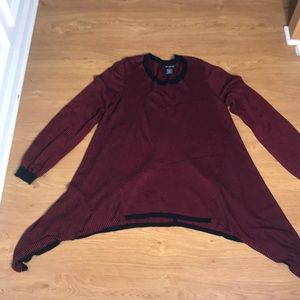 Long long sleeves size large red and black top
